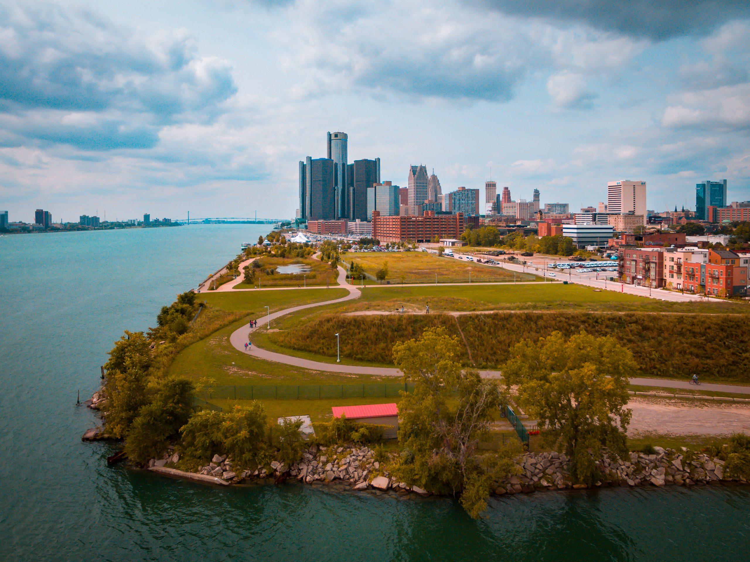 Top 10 Lawn Care Service Providers Near Detroit