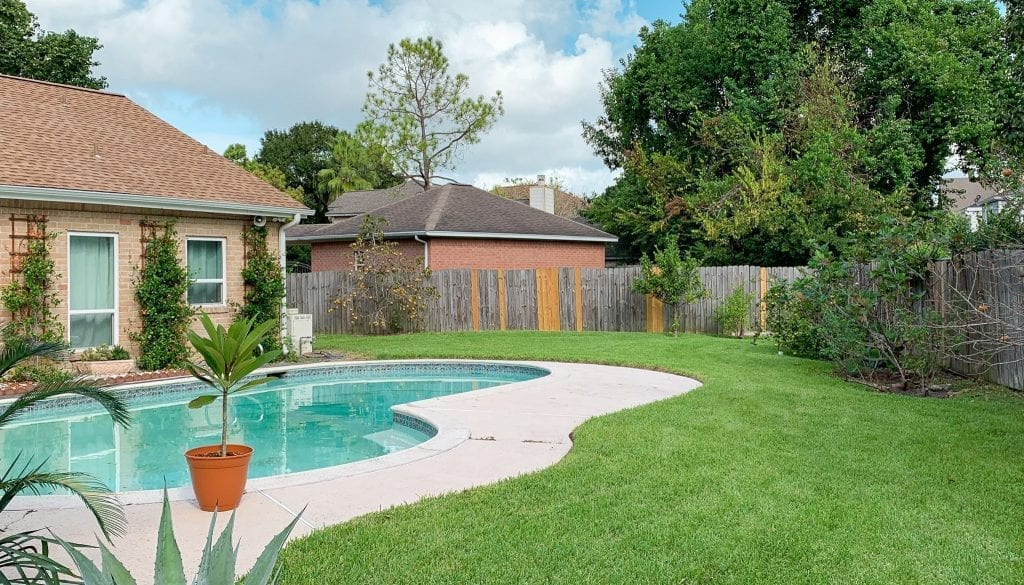 Houston lawn care backyard